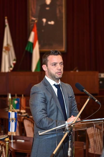 dr. Szeneczey Balázs főpolgármester-helyettes (Fővárosi Önkormányzat) a Holnap városáért Díj 2016 Megnyitóján