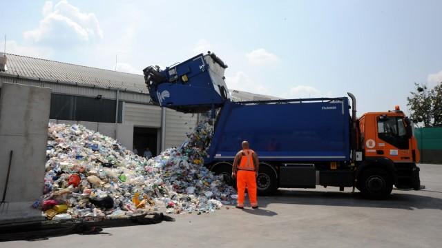 Elítéltek válogatják a szelektív hulladékot