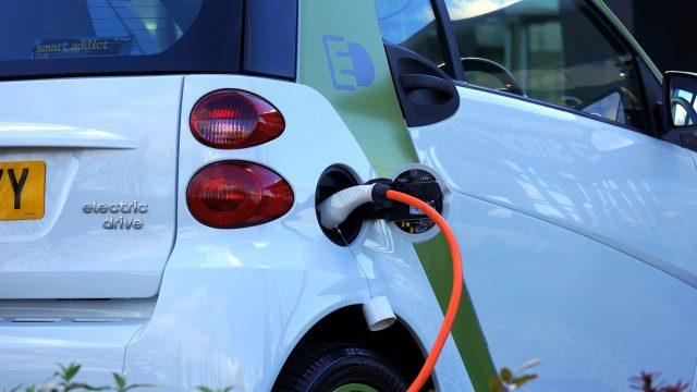 Másfél millió, ha elektromos autót vesz