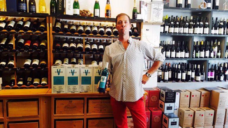 Kék bor Franciaországból