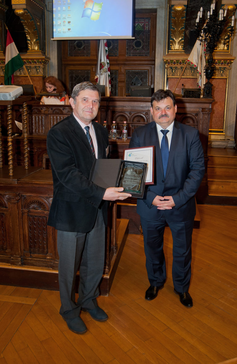Takács Ferenc bizottsági elnök és Schmidt Jenő, a TÖOZ elnöke, Tab polgármestere
