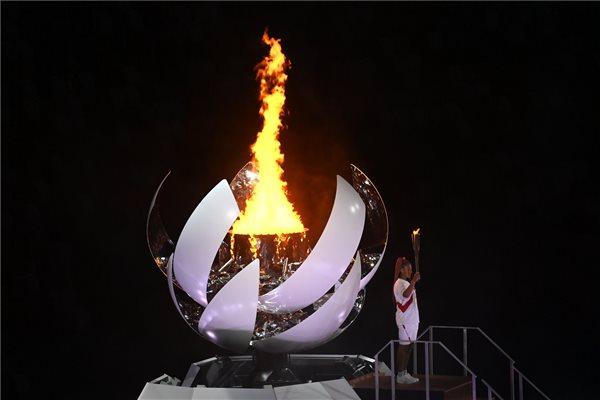 Tokió 2020: Olimpia-nyitóünnepség (MTI/Kovács Tamás)